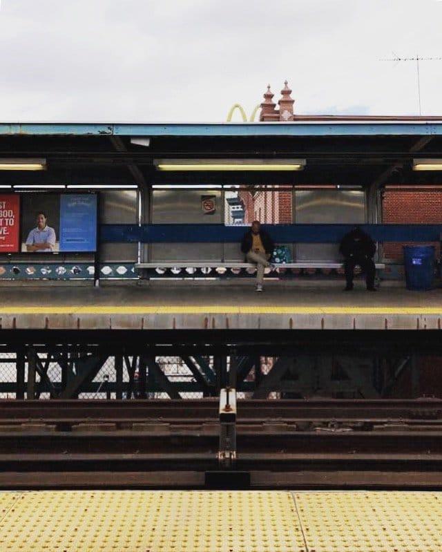 capsule-suitcase-navigating-philadelphia-subway